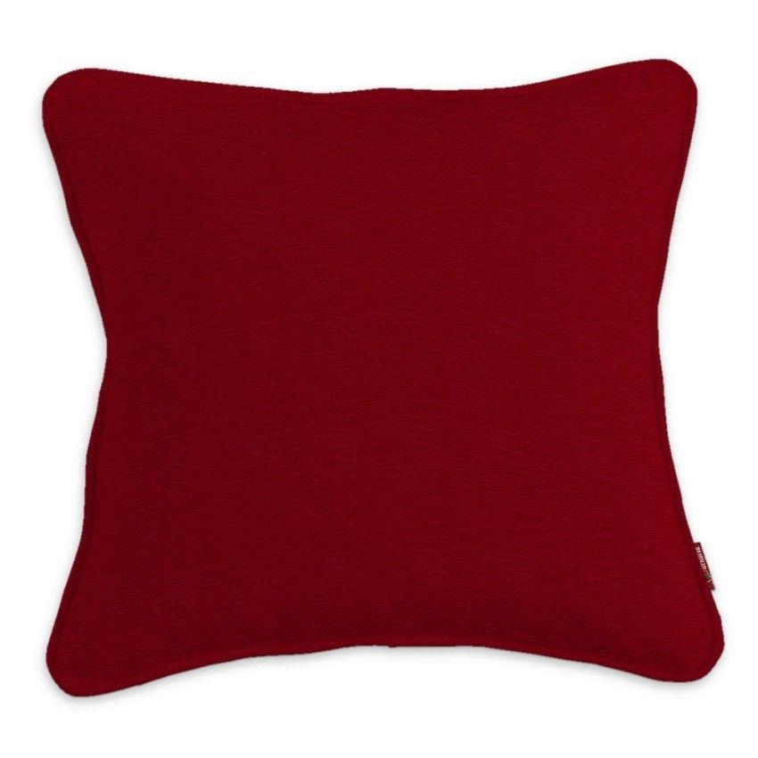 Mit Kissen Sofa und Bett dekorieren